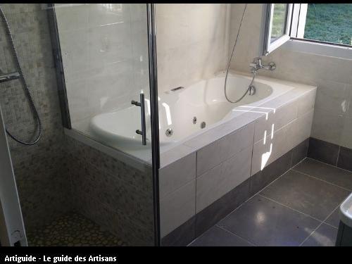 Salle de bain complète réalisée par l'entreprise 2 éléments 44 320 Saint Père en Retz
